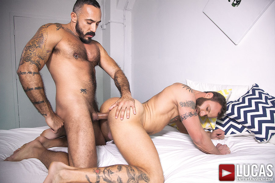 Alessio Romero fucks Derek Parker in the ass