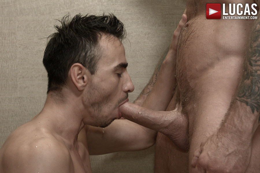 Nigel Banks sucks on Rocco Steele's huge cock