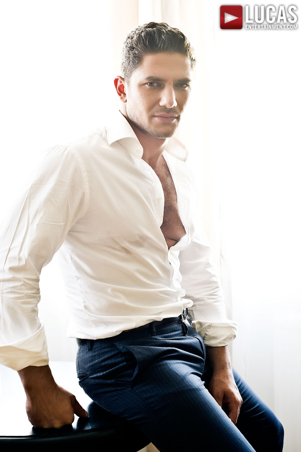 Lucas Entertainment Signs Dato Foland As A New Exclusive Model