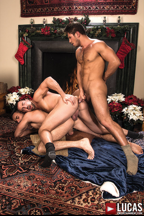 Dato Foland Kicks Off December With Two Gay Bareback Sex Scenes From 'A Very Merry Bareback Christmas'