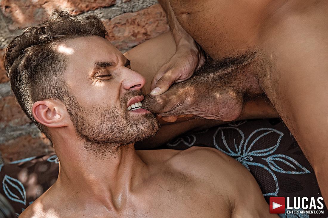gay tube alejandro